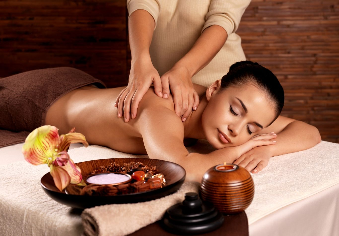 indian-scalp-massage-back